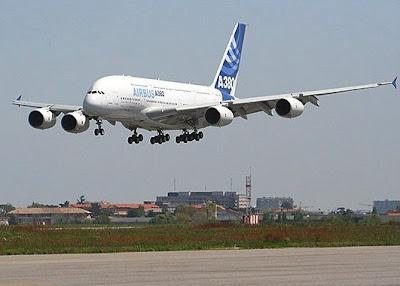 Airbus A380 Apache 001