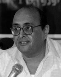 الصحفي والناقد والأديب أحمد الفيتوري