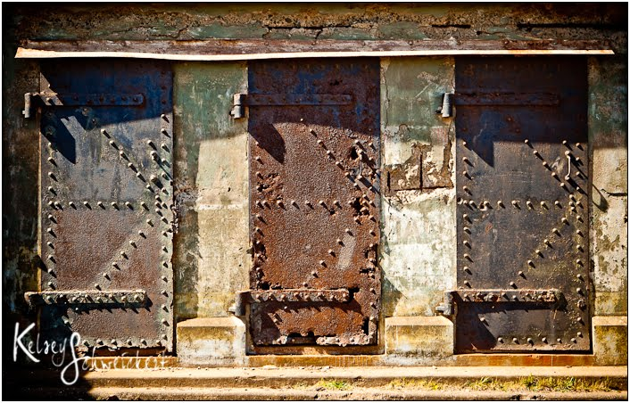... to wait till after I finish a big project today. Meanwhile...hope you enjoy this photo of some very cool old doors I saw near San Francisco yesterday. & Kelsey Schweickert ...discovering beauty...: Rusty old doors