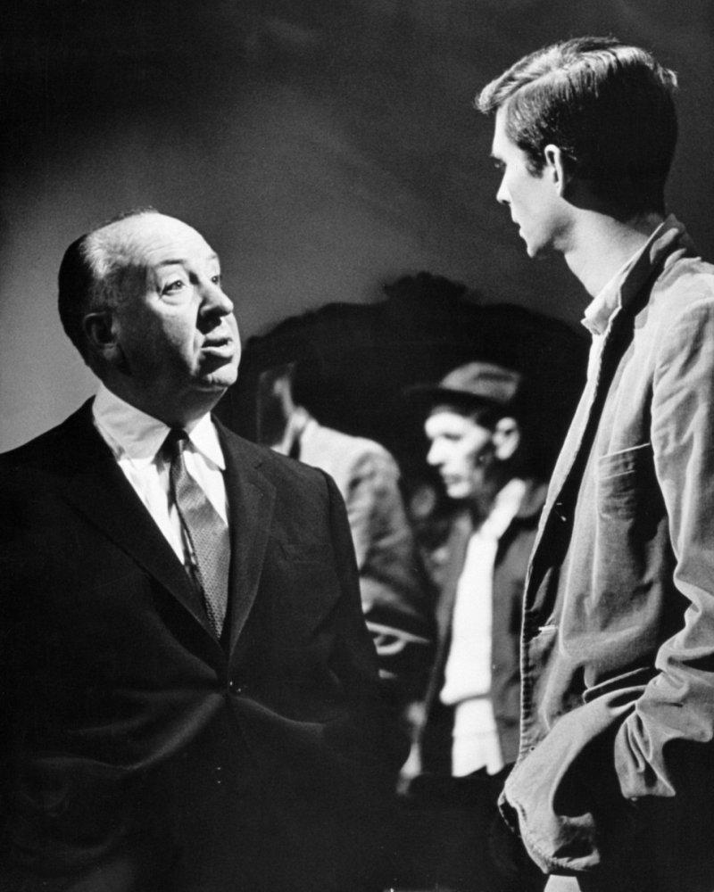 [Obrazek: Alfred+Hitchcock+%26+Anthony+Perkins+on+...960%29.jpg]