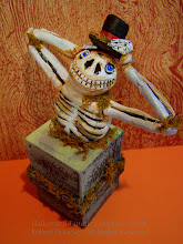 Skeleteon Treat Box