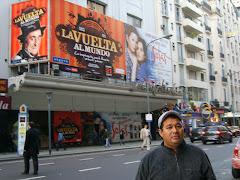 Buenos Aires: Ciudad de Teatros, Librerías y  Cafés