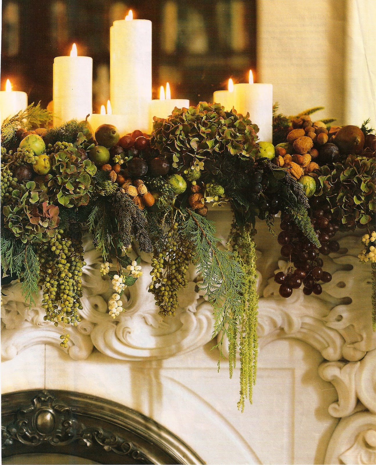 Xmas on pinterest wreaths evergreen and mantles for Christmas mantel decorations garland