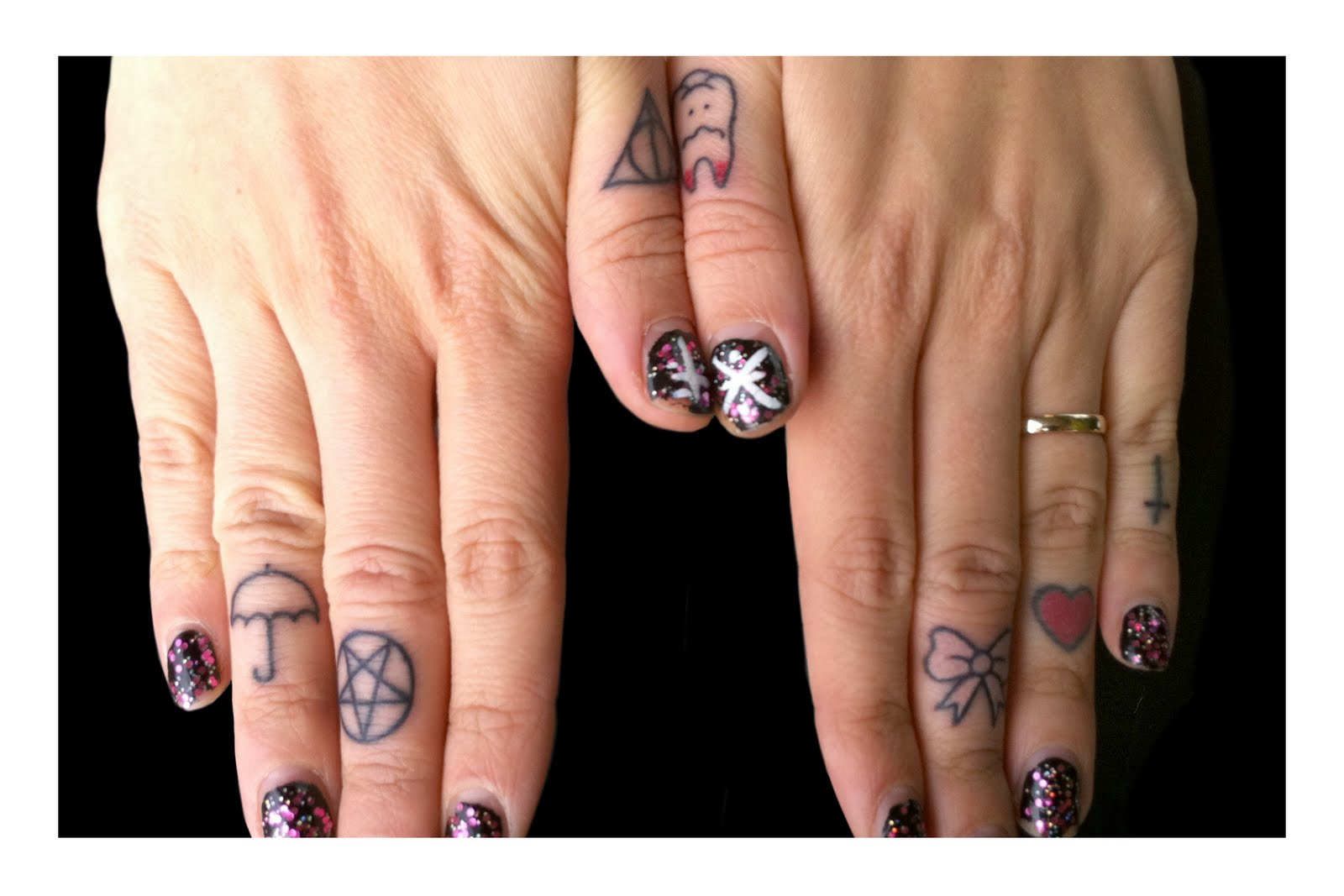 Kelco_finger_tattoo_05