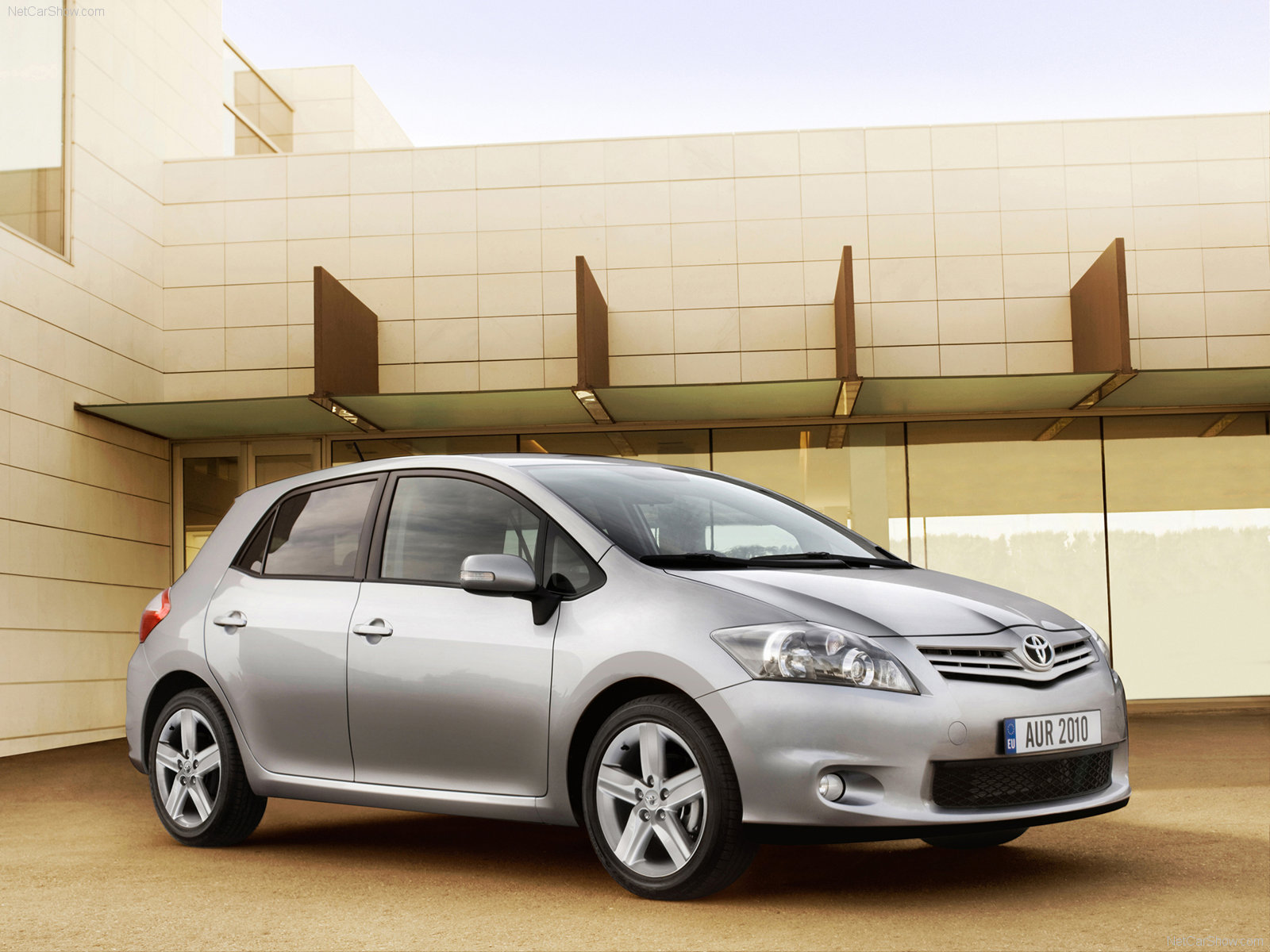 2010 car models 2010 car models 2010 toyota auris. Black Bedroom Furniture Sets. Home Design Ideas