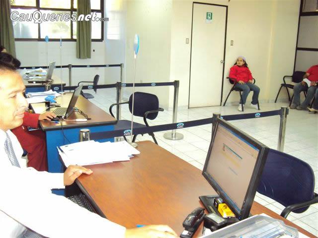 Oficinas de fonasa regularizan horarios de atenci n en el for Horarios de oficina de correos