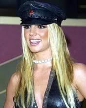 Britney Spears - smiješak download besplatne slike pozadine za mobitele