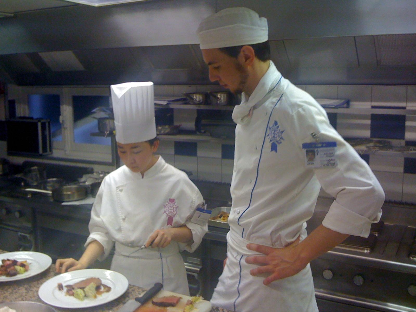 Sjoerd at le cordon bleu paris superior cuisine 2010 la petite chef not bad at all - Recherche chef de cuisine paris ...