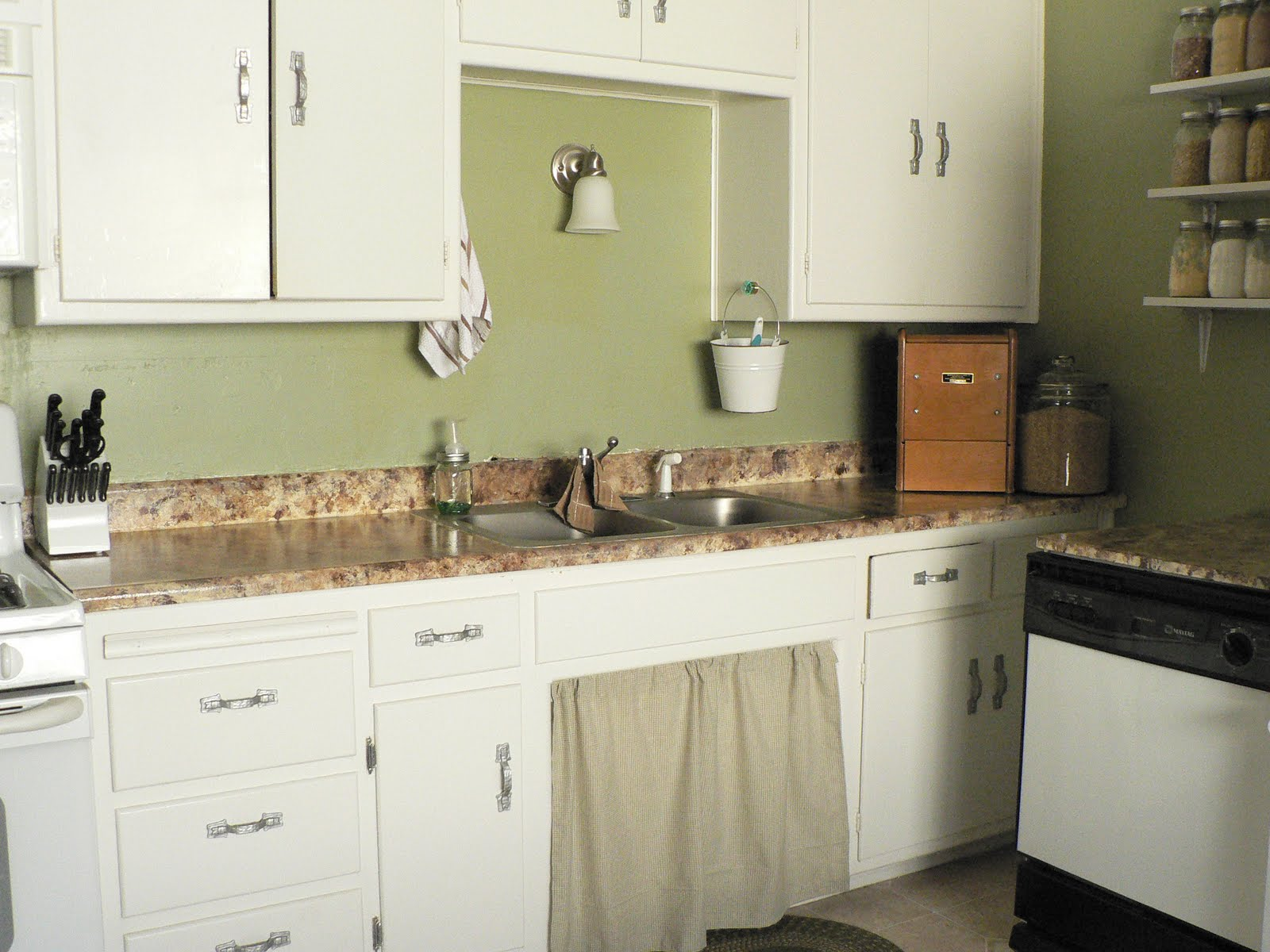 Kitchen Countertops Laminate : Cleaning And Professional Organization Painting Laminate Countertops