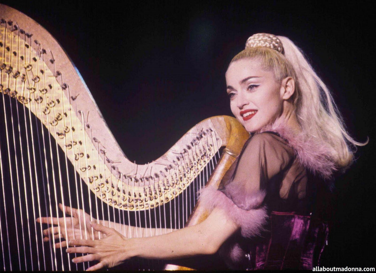 http://3.bp.blogspot.com/_9FKgD1gh7uI/S8VQ0aTST9I/AAAAAAAAB60/8doFuVlw74g/s1600/FP_1151837_ROC_Madonna_Archive_20_031008.jpg