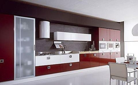 Dise o y decoraci n de cocinas cocinas rojas apuesta por - Cocinas rojas modernas ...