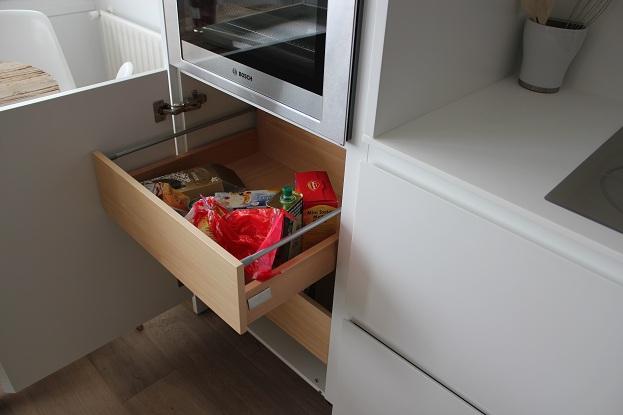 Dise o y decoraci n de cocinas el interior de los muebles for Cocinas en linea
