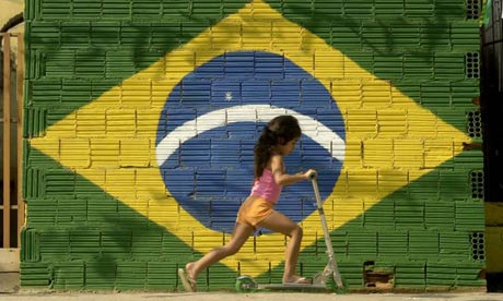 Artigo no 'FT' diz que Brasil é 'caminho luminoso' na América Latina