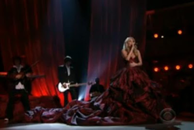 carrie underwood red dress cma 2009