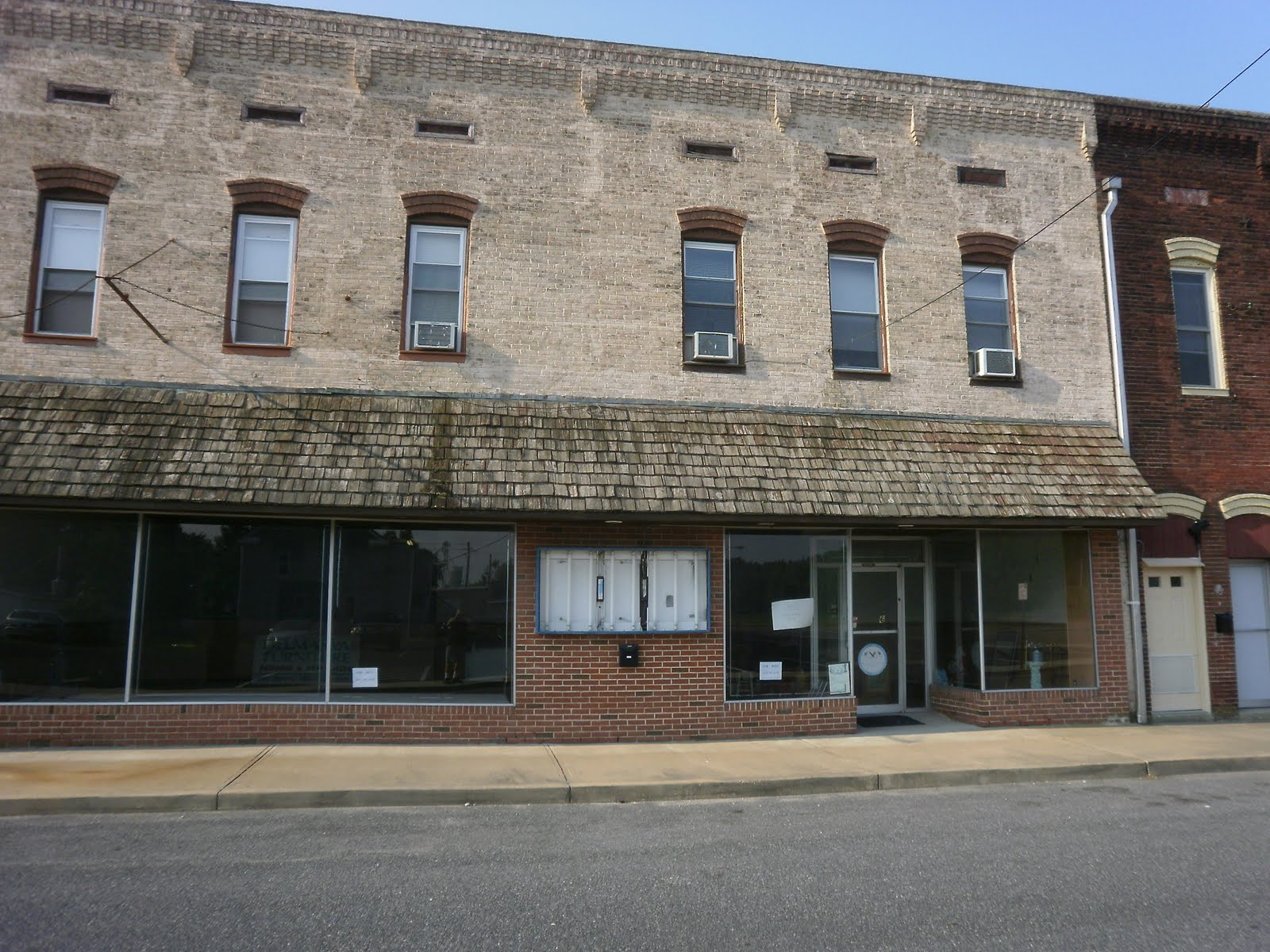 Delmar Dustpan Furniture Store For Rent