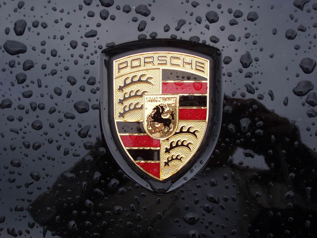 Porsche logo badge wallpaper