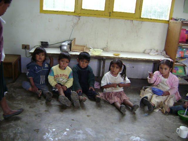 Alimentación de niños en Bolivia