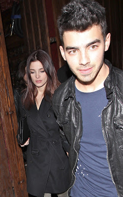 Ashley Greene, Joe Jonas, Hollywood couple