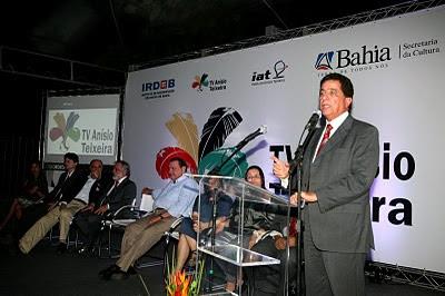 Osvaldo Barreto, Secretário da Educação.