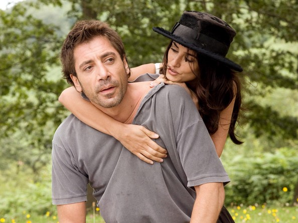 Javier Bardem and Penelope Cruz wed in the Bahamas
