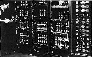 Sejarah Perkembangan hardware komputer