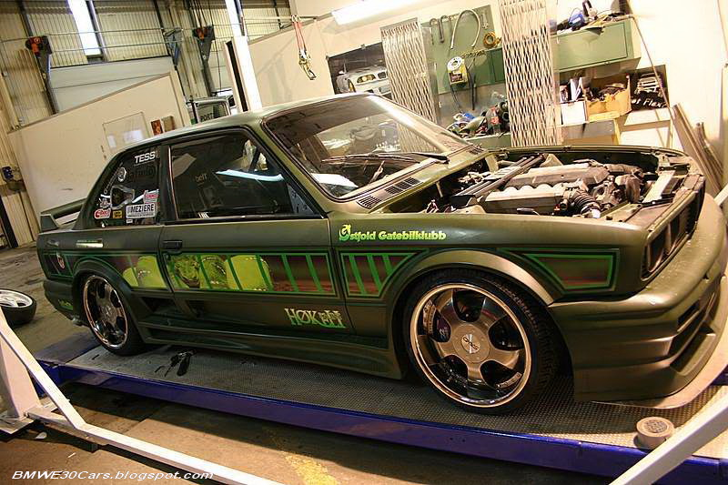 BMW E30 CARS  E30 V12 turbo