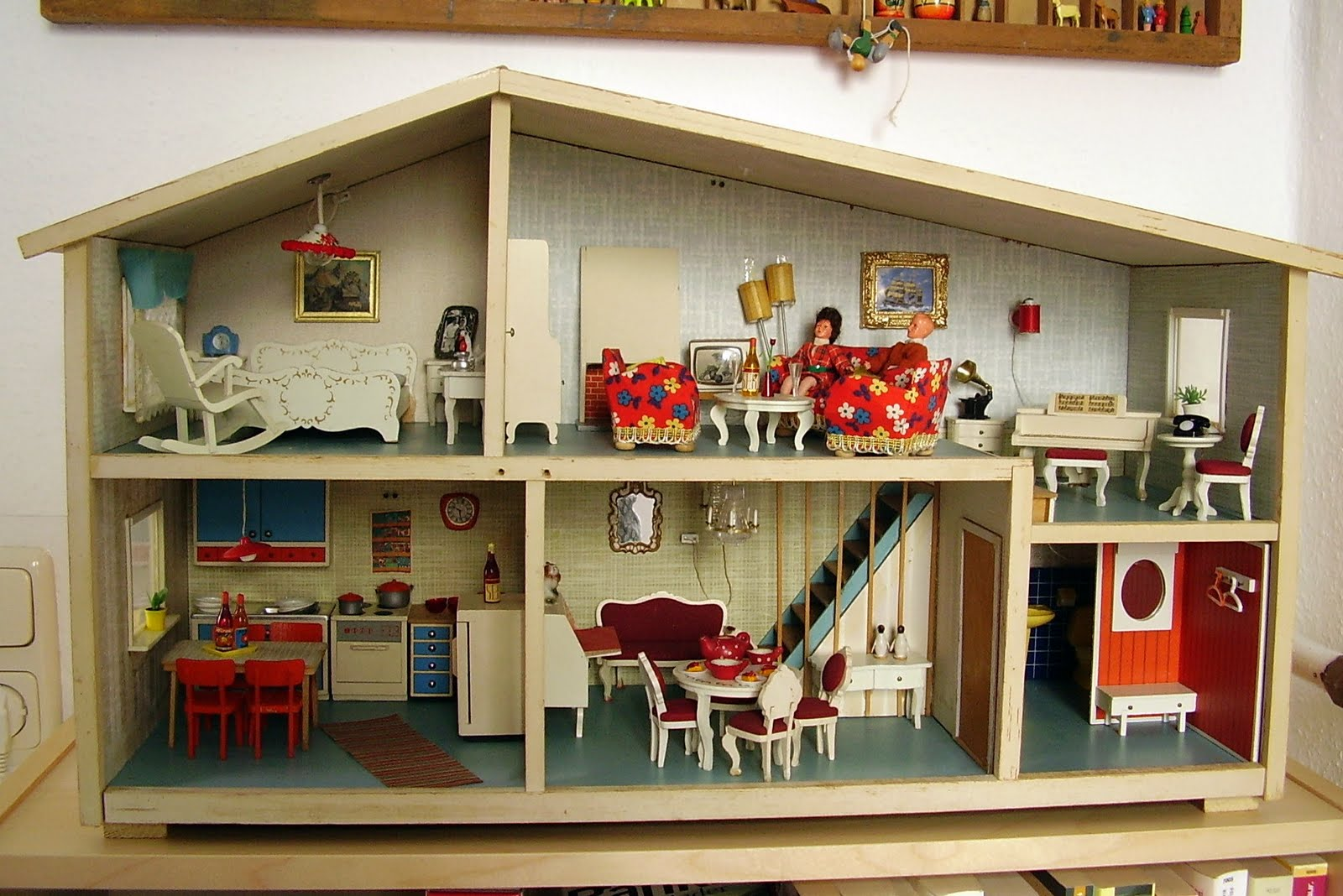 Vintage dollhouses gothenburg dollhouses dolls house for House furniture for sale