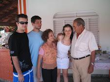 Livia, Avós e Irmãos