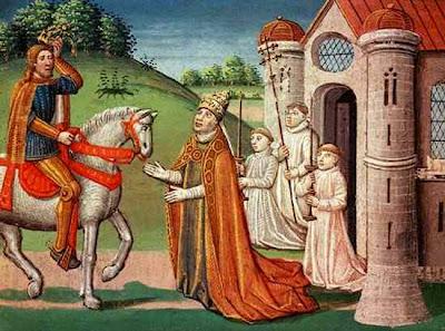 556charlemagne and pope adrian i 10 Peristiwa Sejarah Yang Aneh dan Mencurigakan