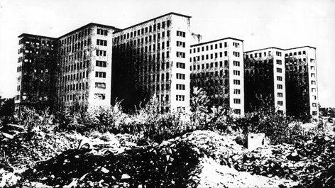Escuelas y Hospitales