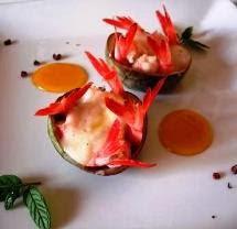 Gamberi rossi di Sicilia con crema di pera annona e ruduzione di succo di mandarino