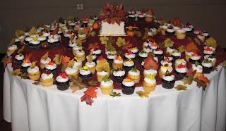 Great Fall Cupcake Wedding Cake Design