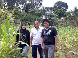 Dewi Umronih, Pa Ishadi, Naqoy