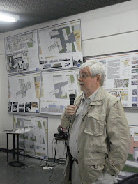 Lito Rosenfeld hablando en el Taller