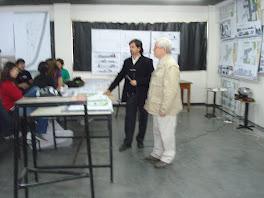 Gustavo y Lito cerrando la exposicion 30 de Octubre de 2008