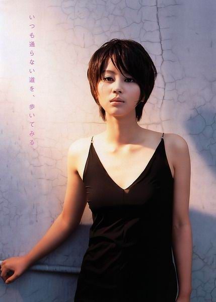 Maki Horikita with this short hairstyle is beautiful, but the new boyish