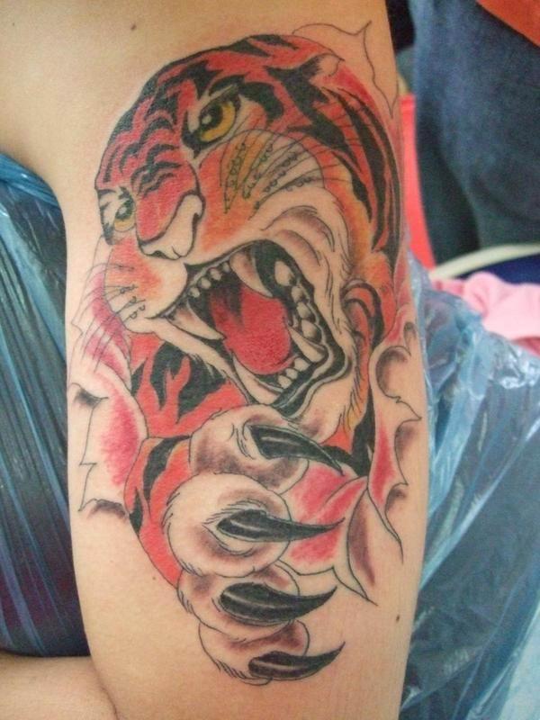 Art Firefighter Tattoos On The Arm japanese-tattoo-galleries.blogspot.com