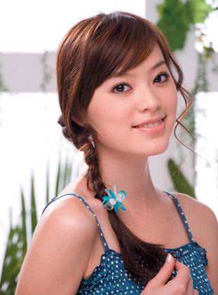 Haircut with side swept bangs and braid. lovely asian summer hair styles
