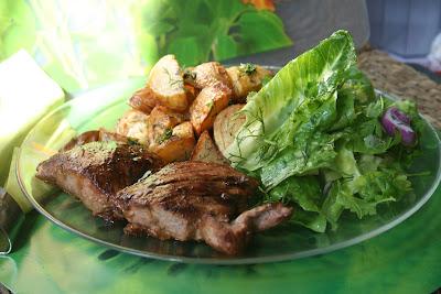 Articole culinare : Muschiulet de porc in stil asiatic cu cartofi noi cu marar