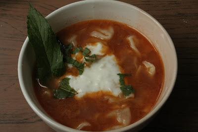 Articole culinare : Kashik berek shorba -Supa de coltunasi cu carne