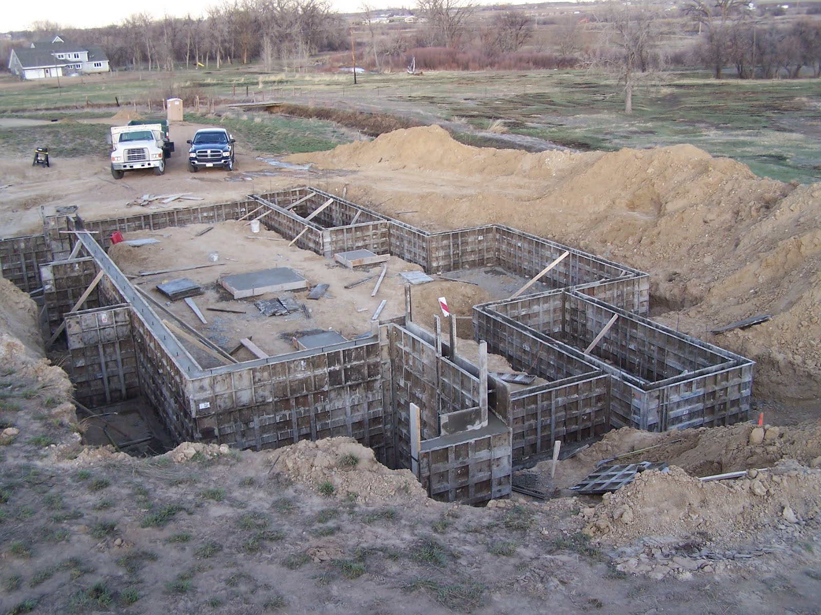 Home Construction Forming And Pouring Foundation Walls