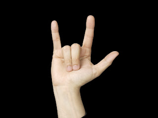 ASL sign: I Love You