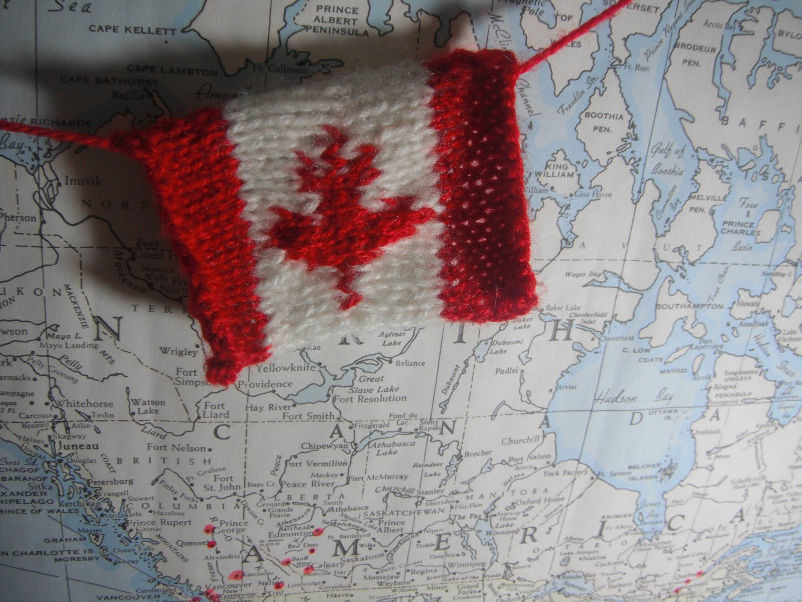 Knitting Labels Canada : Honey nutbrown s knitting canadian flag garland pattern