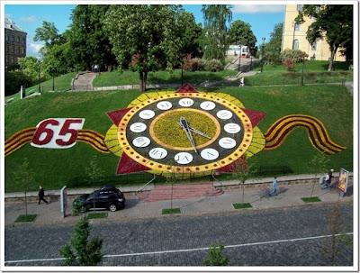 Цветочные часы к Дню Победы