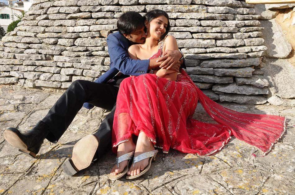 wanted telugu movie hot romantic stills   South Actress