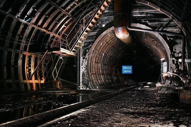 [moscow-underground-tunnels-23.jpg]