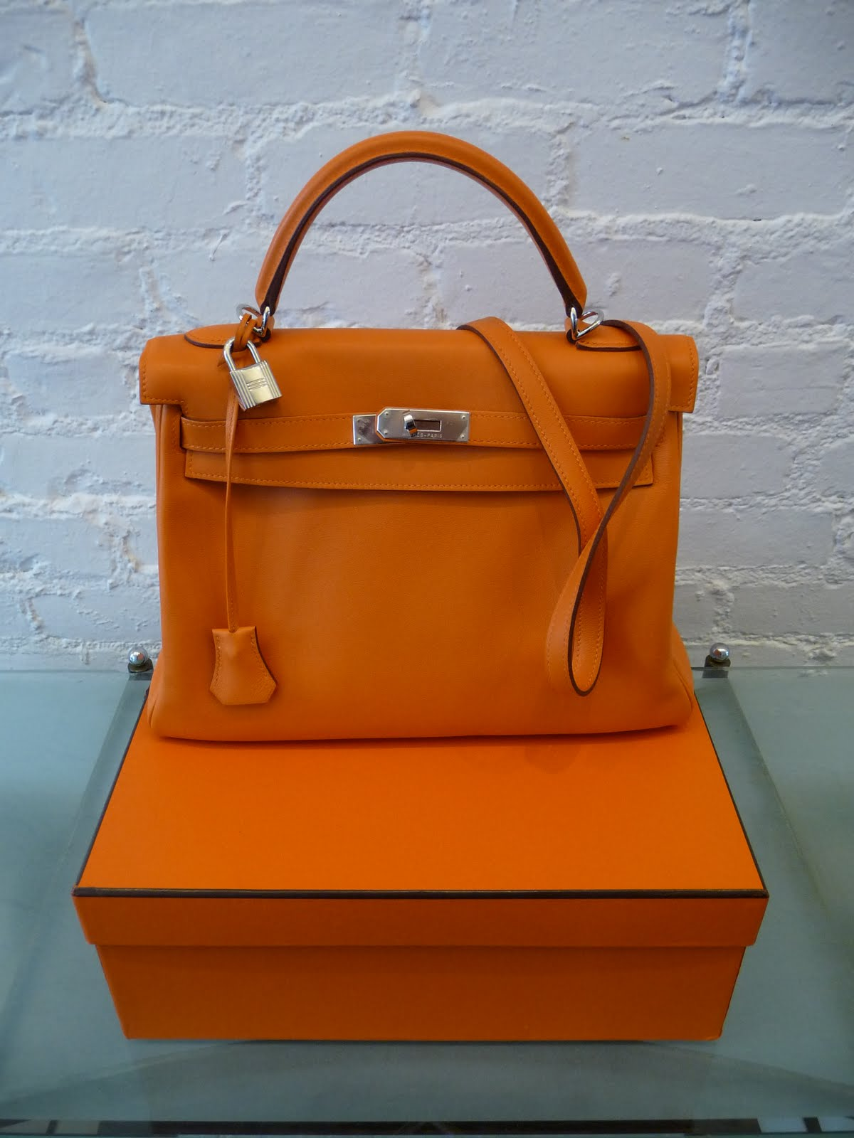 hermes kelly 32 orange hermes inspired wallet. Black Bedroom Furniture Sets. Home Design Ideas