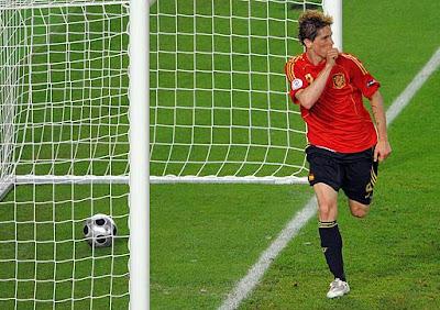 http://3.bp.blogspot.com/_9gcceJohlAk/S-Ba3pCqAHI/AAAAAAAANsg/cukgpuIci-A/s400/gol-torres-final-euro-2008-espana.jpg