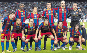 FC BARCELONA TEAM PHOTO 2010   2011   GALA STARTING 11