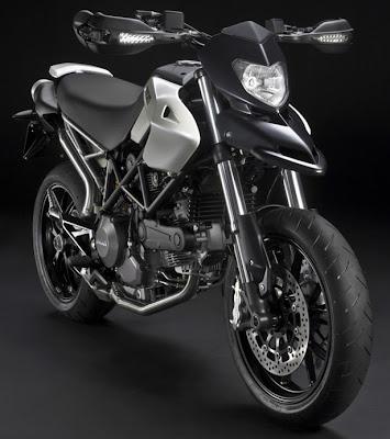 2010 Ducati Hypermotard 796 Desktop Wallpaper